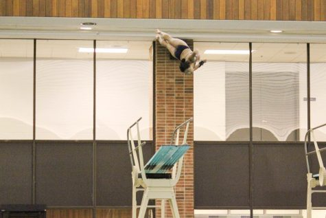Kuhn shines at UIC Diving Invitational