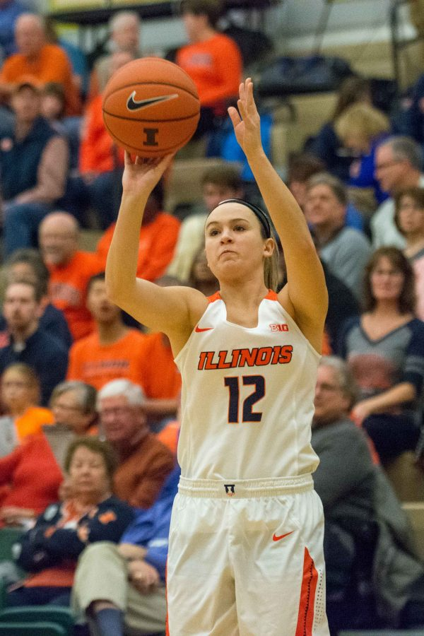 Guard+Ashley+McConnell+takes+a+shot+during+the+game+against+Tennessee+State+at+Parkland+College+on+Tuesday%2C+Nov.+24.+Illinois+won+98-43.