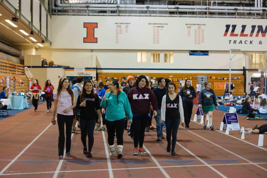 Students+at+the+University+attend+the+annual+Relay+for+Life+to+fight+against+cancer+at+the+Armory.