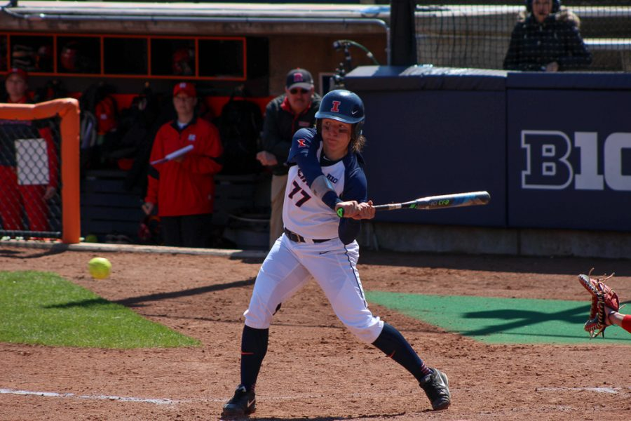 Brian+Bauer+the+daily+illini+%0AIllinois%27+Stephanie+Abello+bats+in+the+game+against+Rutgers+at+Eichelberger+Field+on+Sunday%2C+Apr.+3%2C+2016