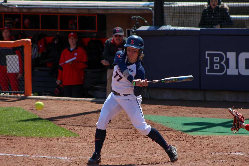 Brian Bauer the daily illini  Illinois' Stephanie Abello bats in the game against Rutgers at Eichelberger Field on Sunday, Apr. 3, 2016