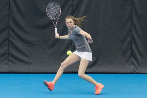 Women's tennis earns three wins over the weekend
