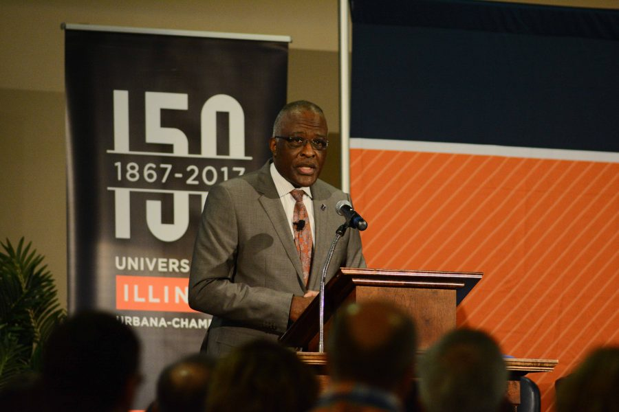 Chancellor+Robert+Jones+discusses+the+current+challenges+the+University+is+facing+at+the+Illini+Student+Union+on+Wednesday.