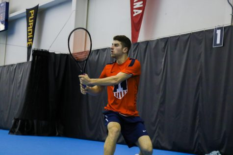 Illinois men's tennis wins in its return home