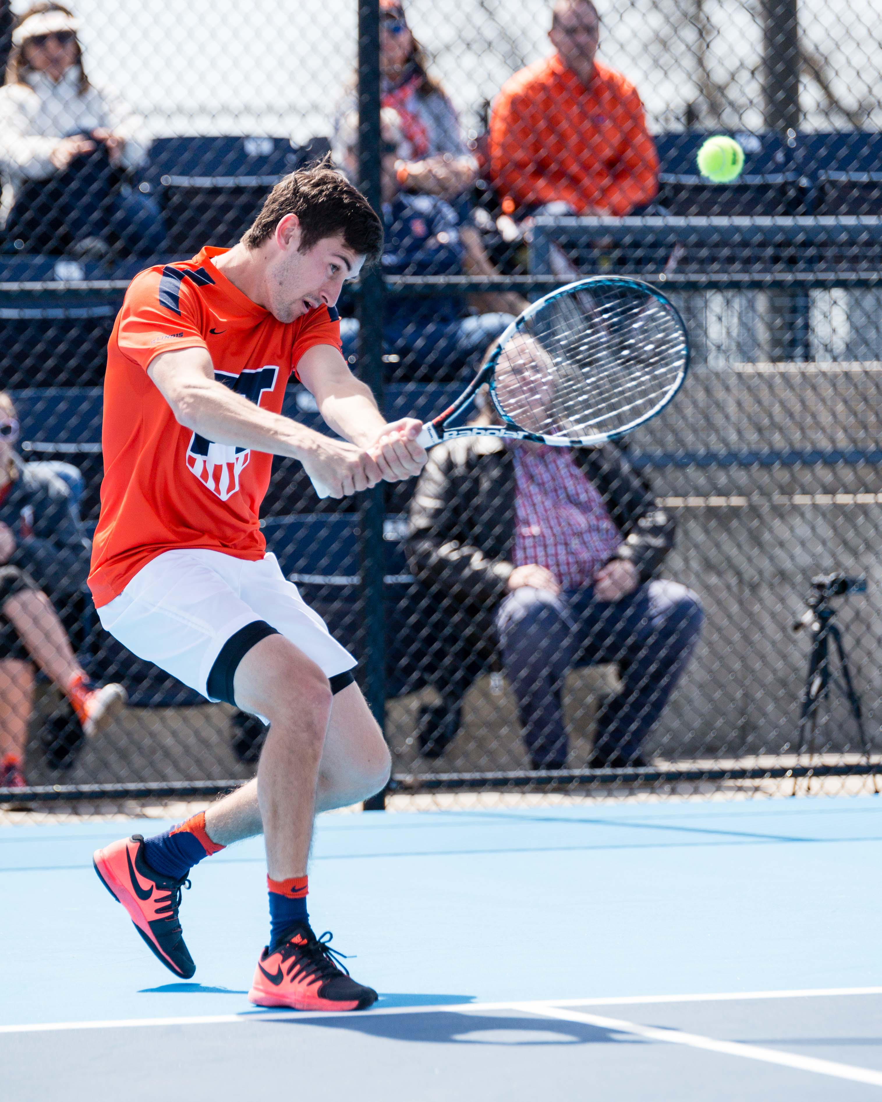 Illinois' Alex Jesse returns a ball against Iowa at the Atkins Tennis Center on Saturday. Illinois is on a three-game win streak after defeating Iowa and Nebraska.