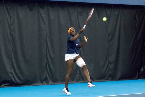 Illinois women's tennis defeats Indiana, Purdue