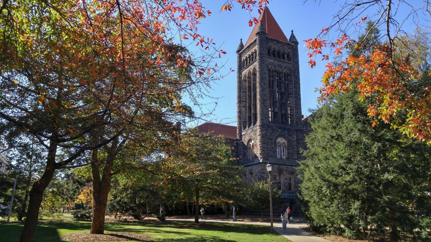 Workers+are+repairing+the+Altgeld+Bell+Tower.+After+being+dismissed%2C+many+chimes+players+are+not+sure+they%E2%80%99ll+come+back.+