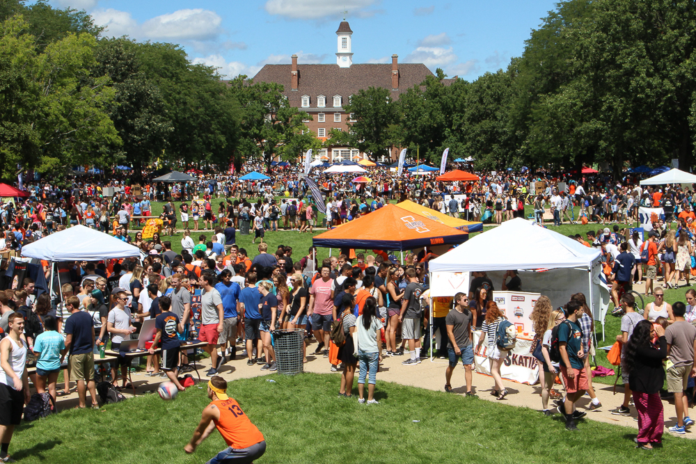 Students gather on the Main Quad to take part in Quad Day on Sunday, Aug. 21, 2016.
