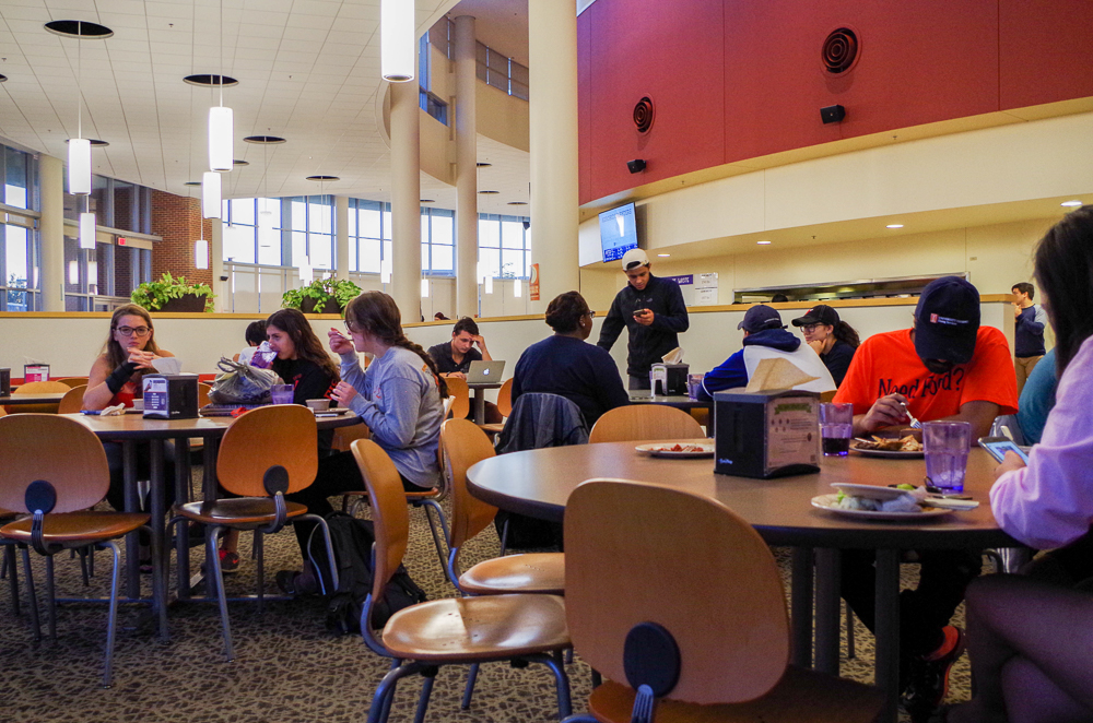 Students+eat+at+the+Ikenberry+Dinning+Hall+and+enjoy+the+multiple+cuisines+it+has+to+offer.