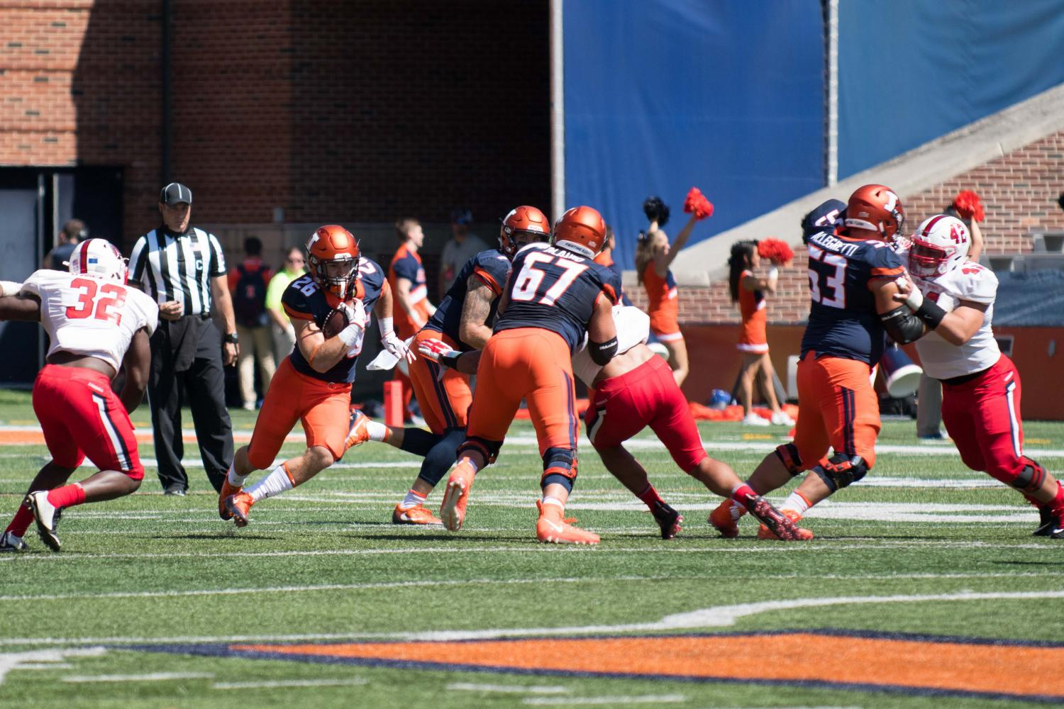 Illinois+running+back+Mike+Epstein+searches+for+a+hole+during+the+game+against+Ball+State+on+Saturday%2C+September+2%2C+at+Memorial+Stadium.