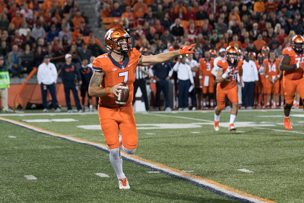 Illinois+quarterback+Chayce+Crouch+searches+for+a+receiver+down+the+field.+The+Illini+lost+to+Nebraska+28-6