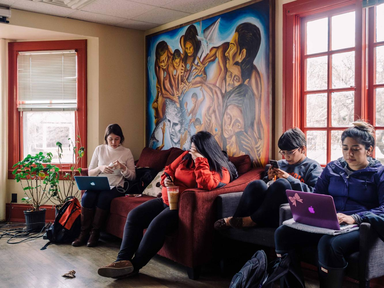 Students rest and study in La Casa Cultural Latina on March 2016.