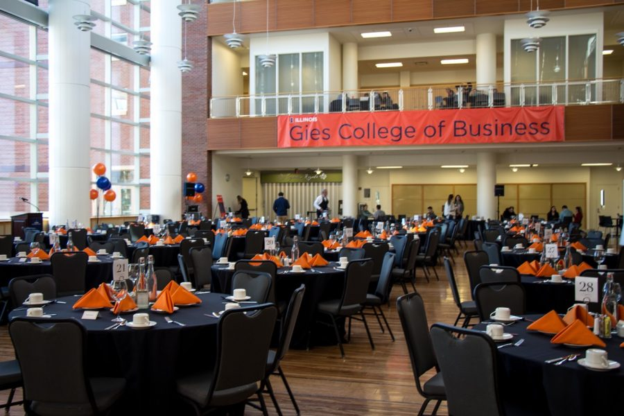Gies+College+of+Business+students+celebrate+the+generous+donation+from+the+Gies+Family+at+the+Business+Instructional+Facility+on+Oct.+26%2C+2017.