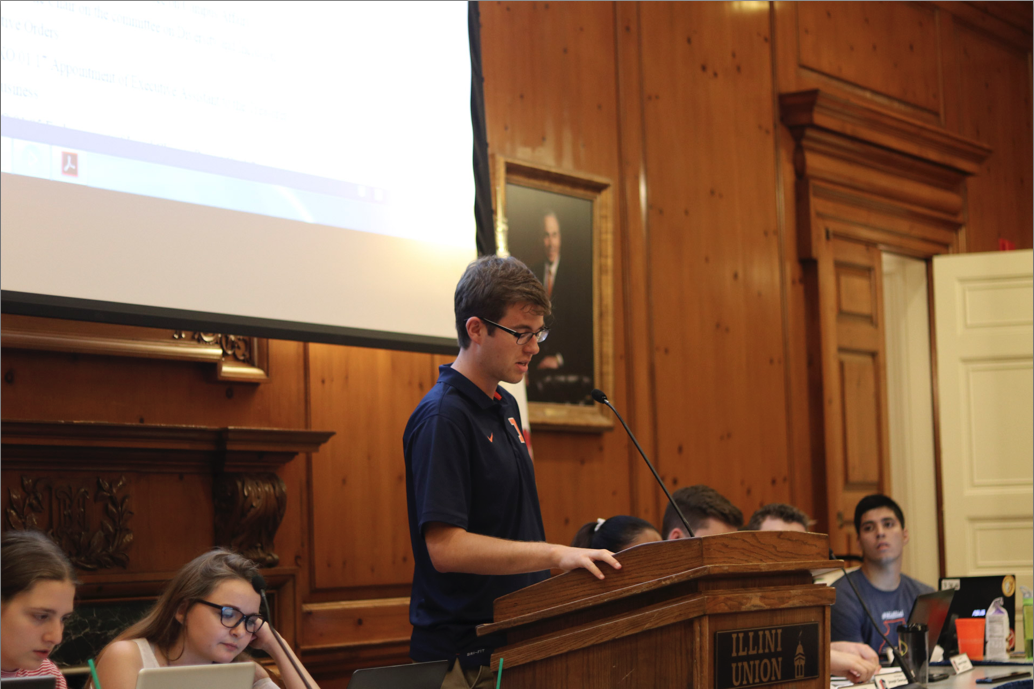 Sam LeRoy, speaker of the senate, goes through the meeting's agenda on Oct. 4.