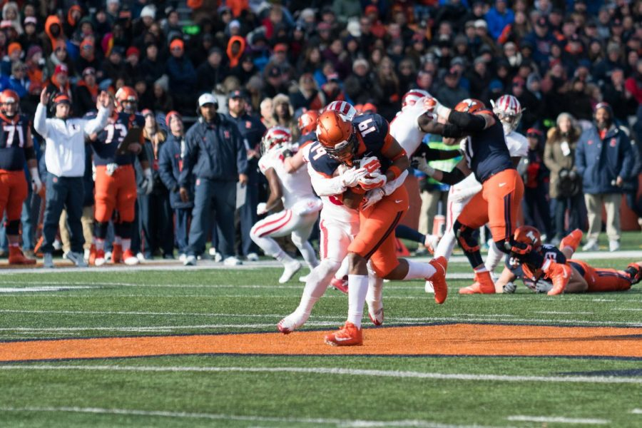 Illinois+tight+end+Louis+Dorsey+is+tackled+during+the+game+against+Indiana+on+Nov.+11.+The+Illini+lost+14-24.