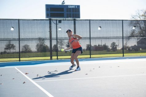 Freshman Duong leads Illini with title at Thunderbird Invite