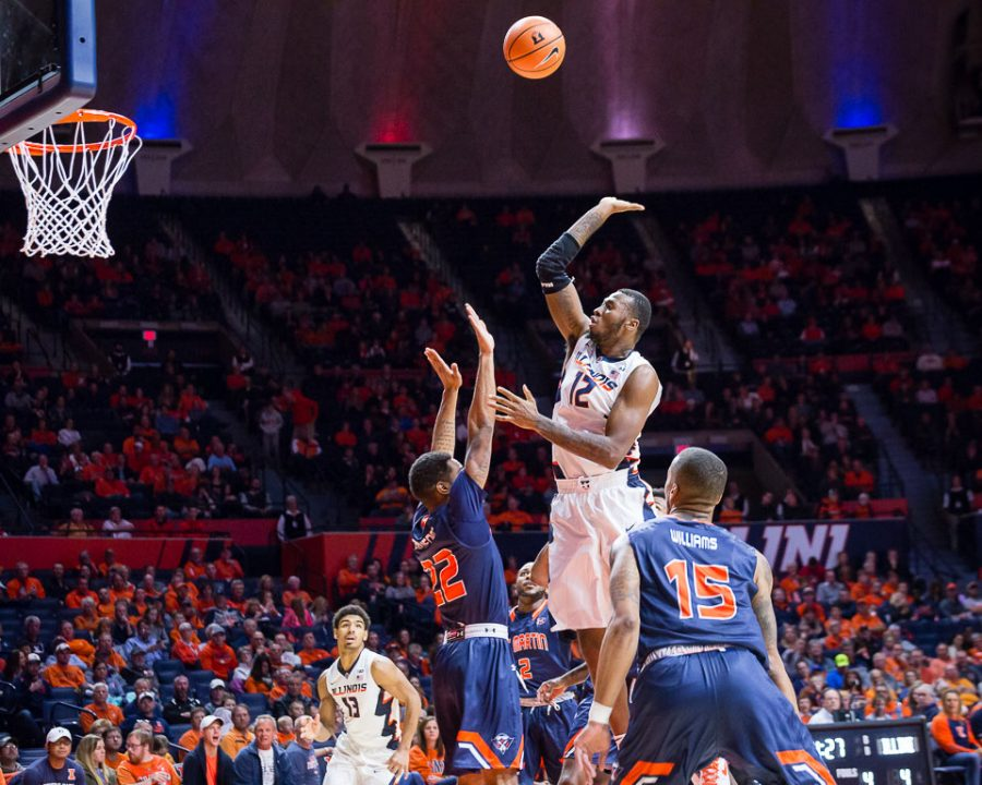 Illinois+forward+Leron+Black+%2812%29+puts+up+a+floater+during+the+game+against+the+University+of+Tennessee+at+Martin+at+the+State+Farm+Center+on+Sunday.