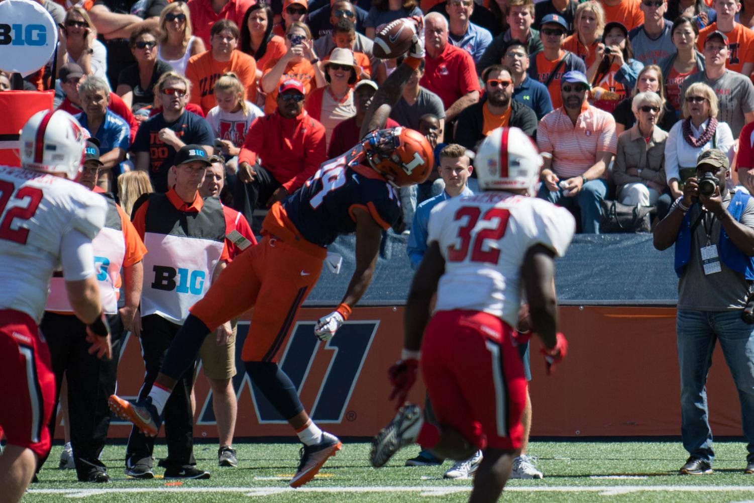Illinois tight end Louis Dorsey makes a one-catch against Ball State in the Illini's matchup against the Cardinals on September 2. The Illini won 24-21. Dorsey is one of Illinois' true freshmen who made the cut for BTN's All-Freshman team.