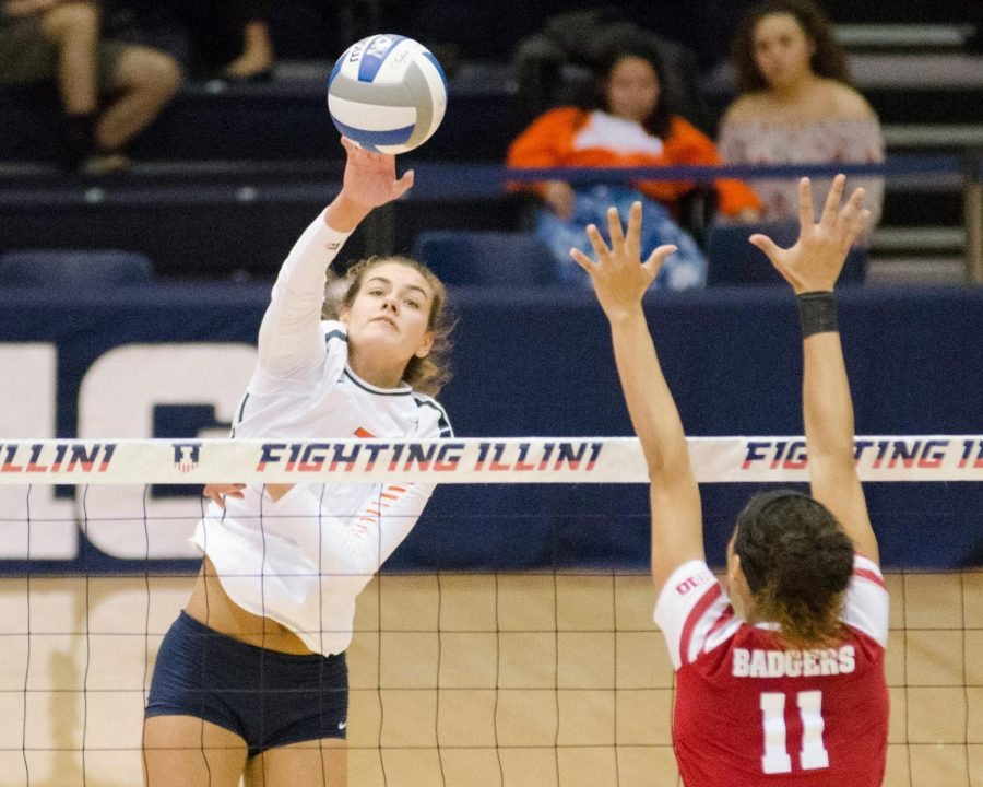 Illinois+outside+hitter+Jacqueline+Quade+splkes+the+ball+during+the+game+against+Wisconsin+at+Huff+Hall+on+Friday%2C+November+17.+The+Illini+lost+3-1.