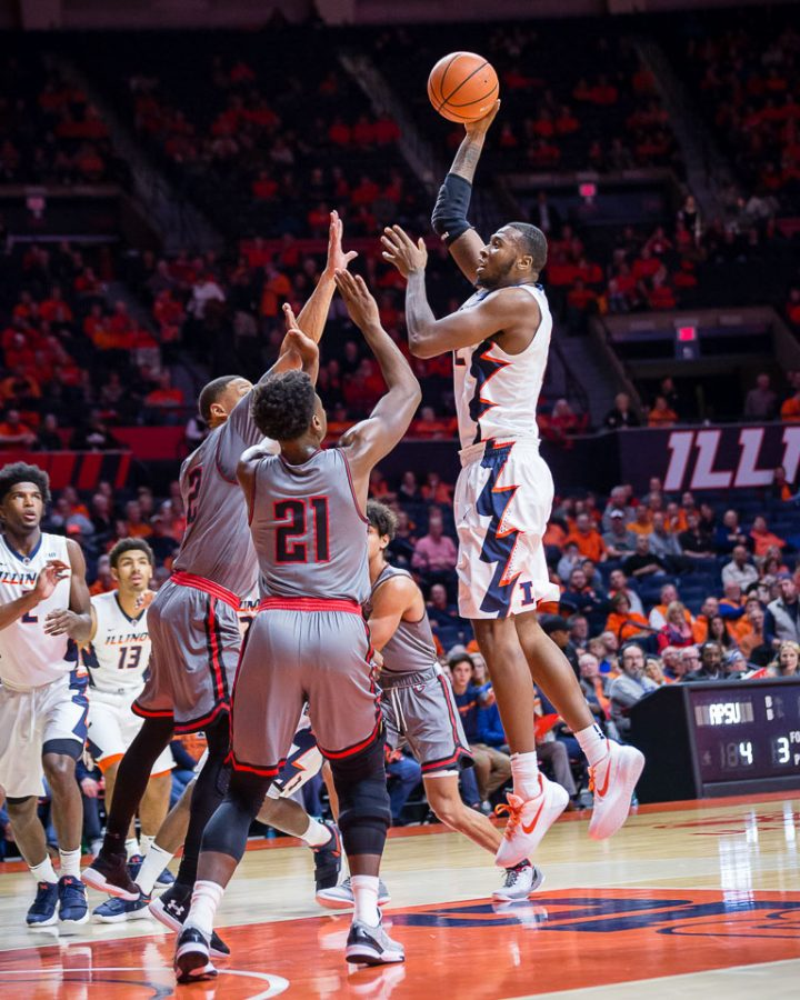 Illinois+forward+Leron+Black+%2812%29+puts+up+a+hook+shot+during+the+game+against+Austin+Peay+at+State+Farm+Center+on+Wednesday%2C+Dec.+6%2C+2017.