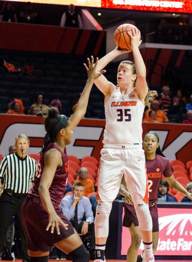 Senior+forward+Alex+Wittinger+shoots+a+jumper+in+Illinois%27+game+against+Virginia+Tech+on+Nov.+30%2C+2017.+The+Illini+lost+49-96.