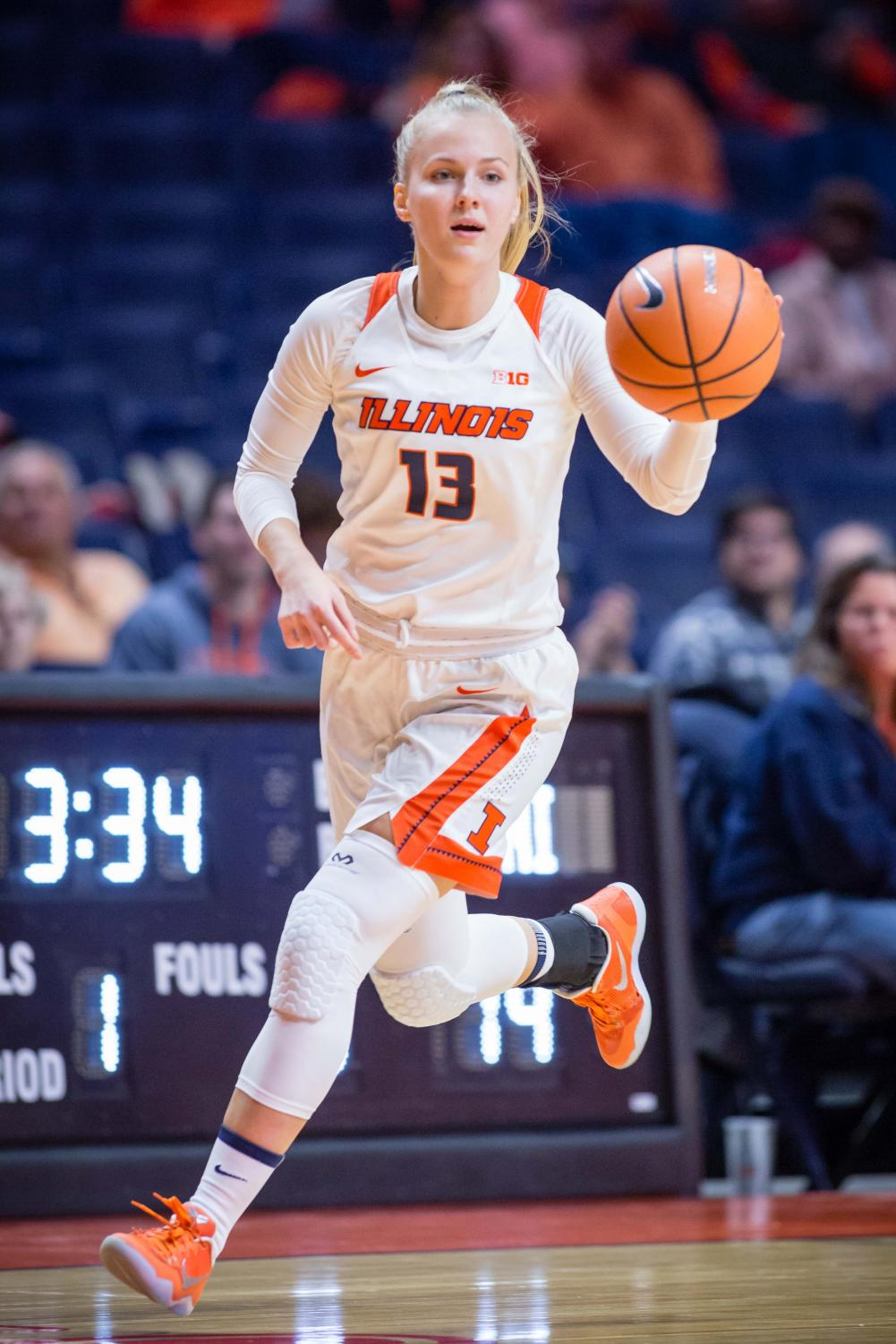 Illinois guard Petra Holešínská dribbles the ball down the floor during the game against Fort Wayne at the State Farm Center on Nov. 10, 2017. The Illini won 64-50.