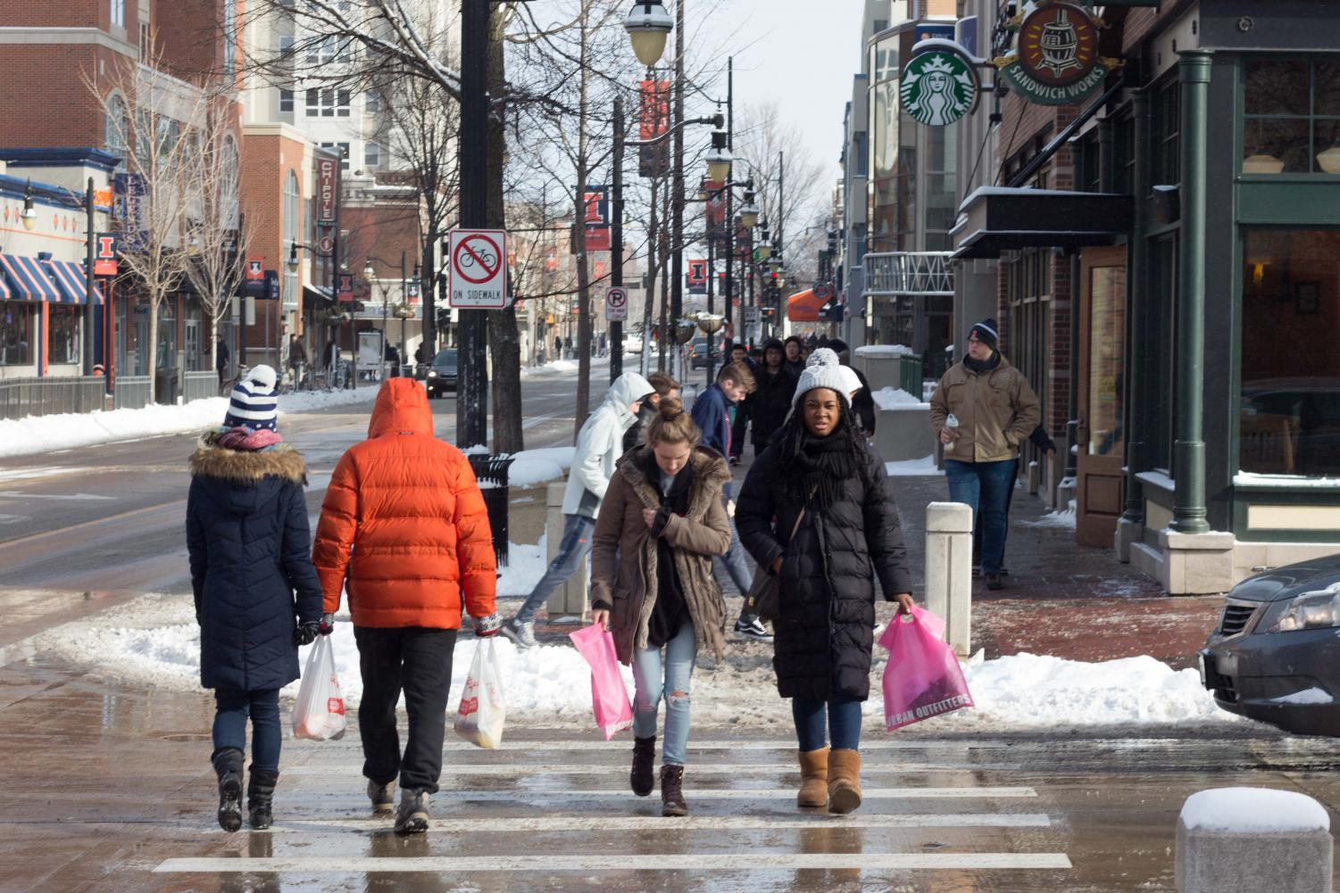 Students walking on Green St. on Jan. 15.