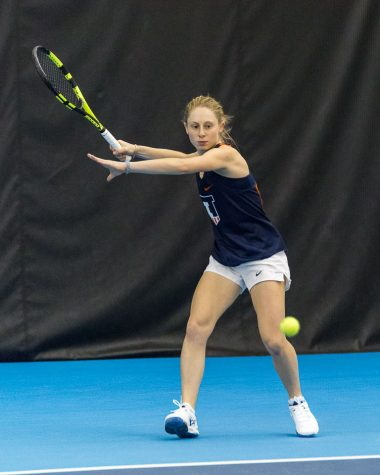 Illini women start dual match season with doubleheader victory