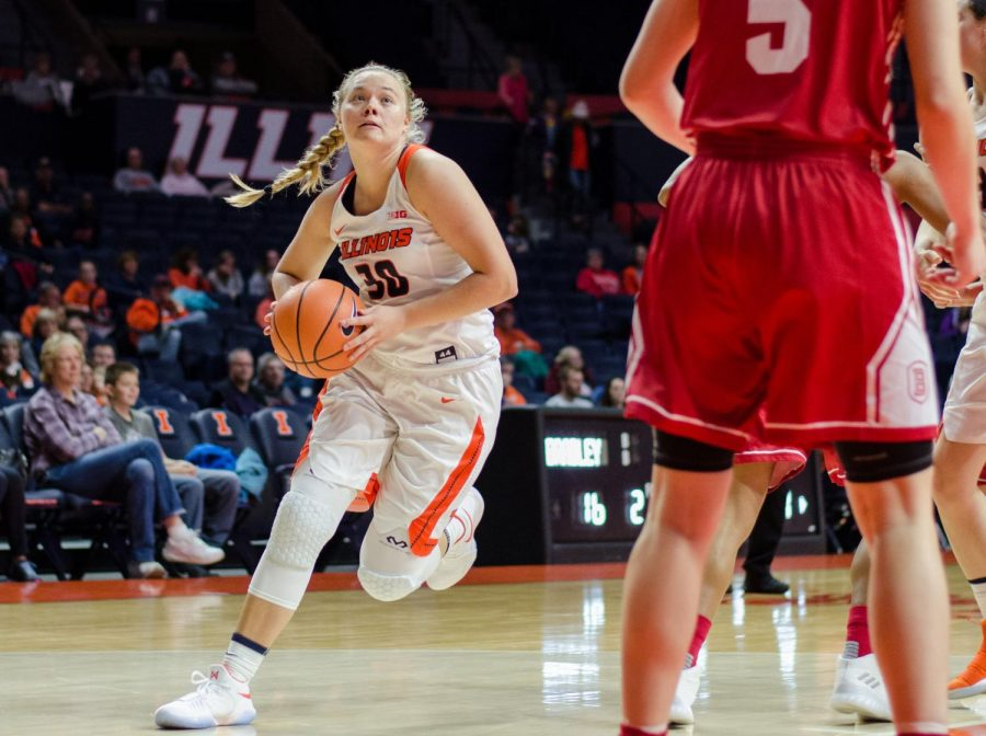 Courtney Joens drives to the basket during Illinois' game against Bradley on Saturday, November 18, 2017.