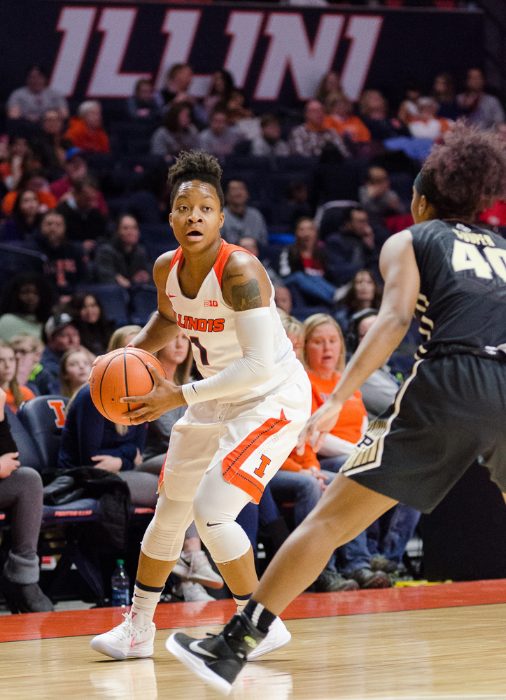 Brandi Beasley handles the ball for Illinois during their 73-54 loss to Purdue on Sunday, February 4. Illinois beat Valparaiso 73-54 on Wednesday.