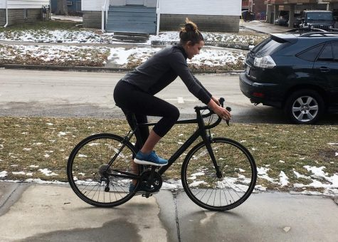 University senior to cycle cross country for cancer research fund