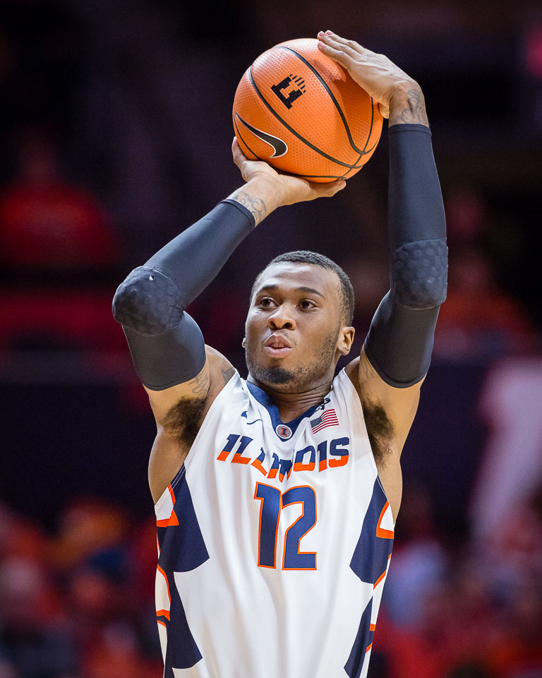 Illinois forward Leron Black (12) shoots the ball during the game against Wisconsin at the State Farm Center on Thursday, Feb. 8, 2018.