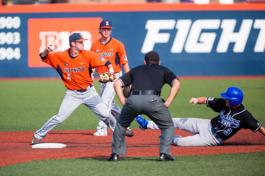 Illinois+infielder+Ben+Troike+hits+the+ball+during+the+game+against+Indiana+State+at+Illinois+Field+on+Sept.+24.+