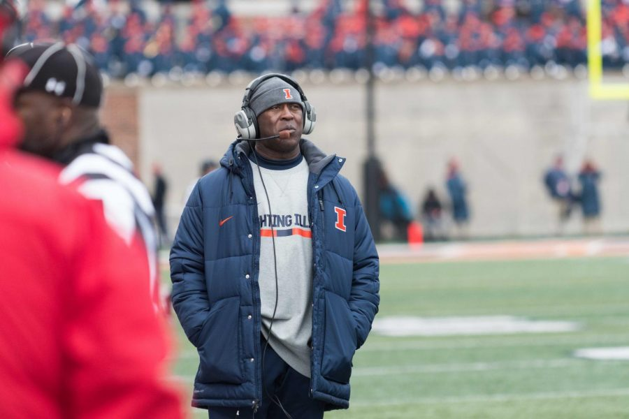 Illinois+head+coach+Lovie+Smith+looks+out+over+the+field+during+the+game+against+Wisconsin+on+Oct.+28.+The+Illini+lost+24-10.