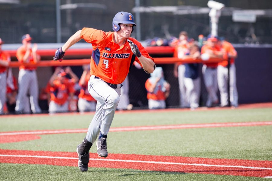 Illinois+infielder+Bren+Spillane+%289%29+runs+to+first+during+the+game+against+Indiana+State+at+Illinois+Field+on+Saturday%2C+September+24.