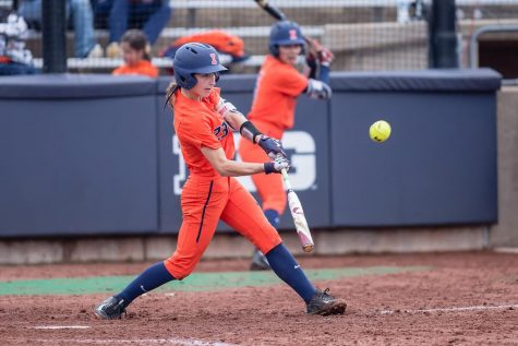 Illinois softball looks to extend hot stretch into Big Ten play