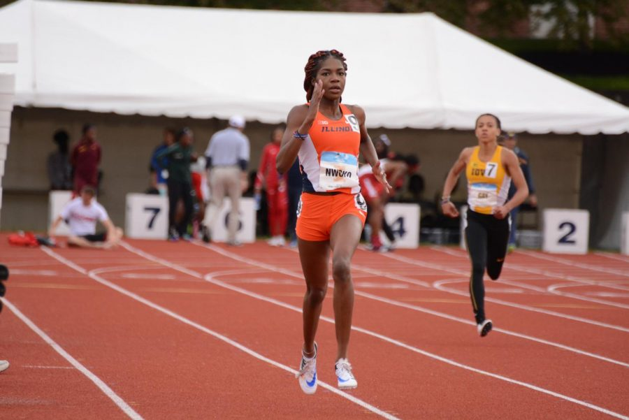 Junior+Chisom+Nwoko+races+for+the+Illini+during+their+outdoor+season.+The+team+will+now+head+indoors+and+begin+to+compete+at+Huff+Hall.