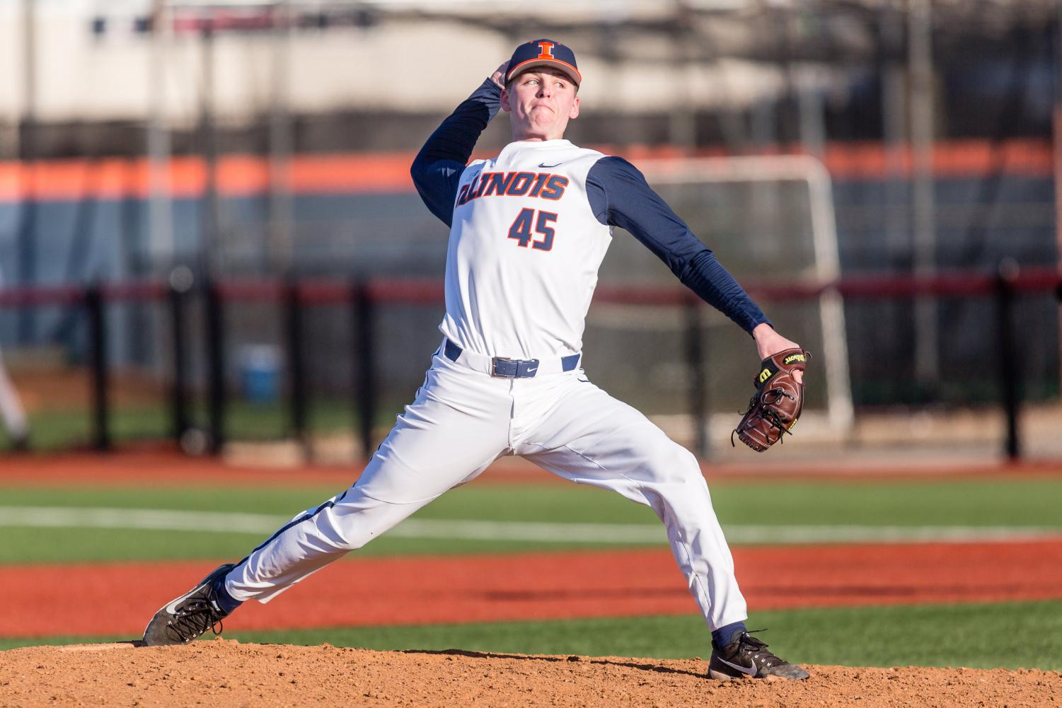 Illinois pitcher Ryan Thompson (45) delivers the pitch during the game against Milwaukee at the Illinois Field on Wednesday, March 14, 2018.