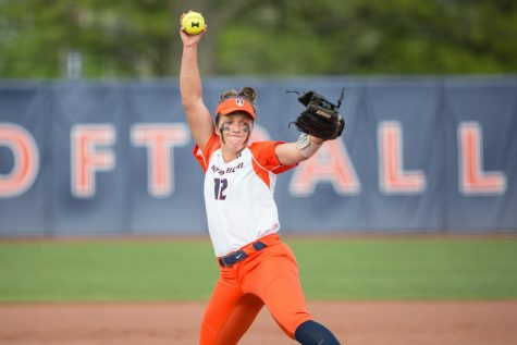 Illini sweep weekend series