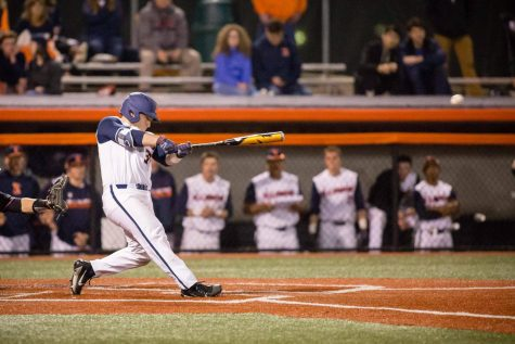 Illinois takes down Rutgers to secure series sweep