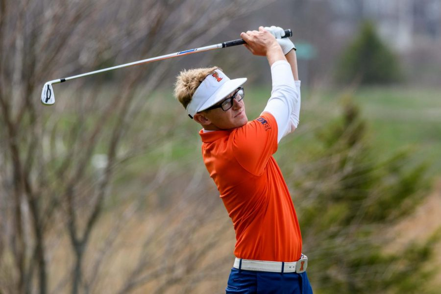 Senior+Dylan+Meyer+competes+for+the+Illinois+men%E2%80%99s+golf+team+in++match+play+against+Bradley.+Meyer+is+finishing+up+his+final+season+with+the+Illini+as+the+team+heads+into+the+Big+Ten+Championship.