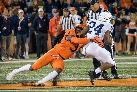Defense disintegrates in fourth-quarter play