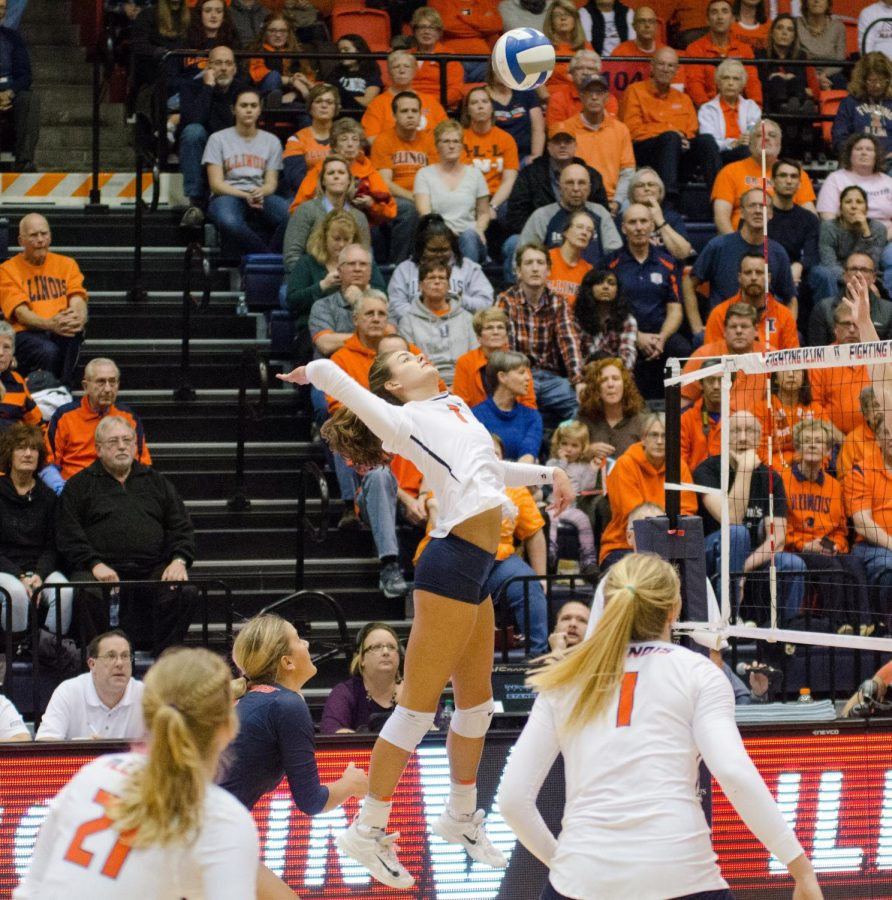 Outside+hitter+Jacqueline+Quade+prepares+to+spike+the+ball+in+Illinois%E2%80%99+game+against+Wisconsin+on+Nov.+17.