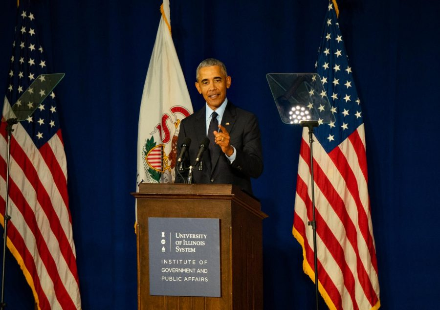 Former+President+Barack+Obama+speaks+to+students%2C+faculty+and+community+members+during+his+acceptance+of+the+Paul+H.+Douglas+Award+for+Ethics+in+Government+on+Friday+in+Foellinger+Auditorium.
