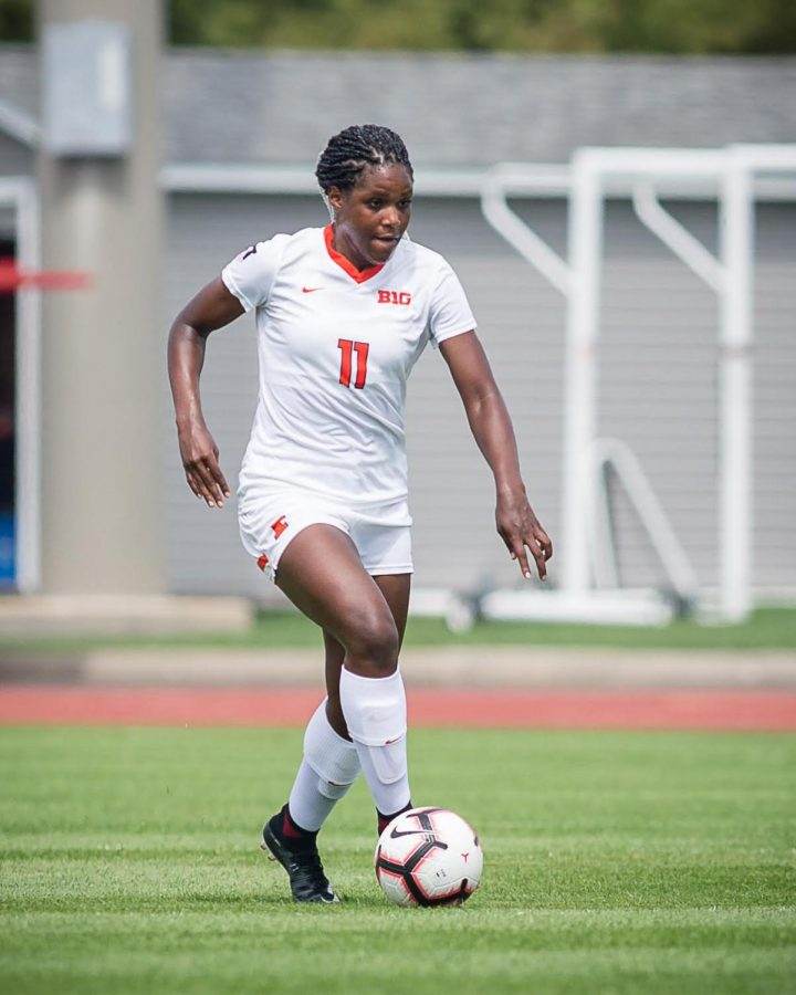 Illinois+forward+Patricia+George+%2811%29+dribbles+down+the+field+during+the+game+against+Northern+Illinois+at+the+Illinois+Soccer+Stadium+on+Sunday%2C+Aug.+26%2C+2018.+The+Illini+won+8-0.