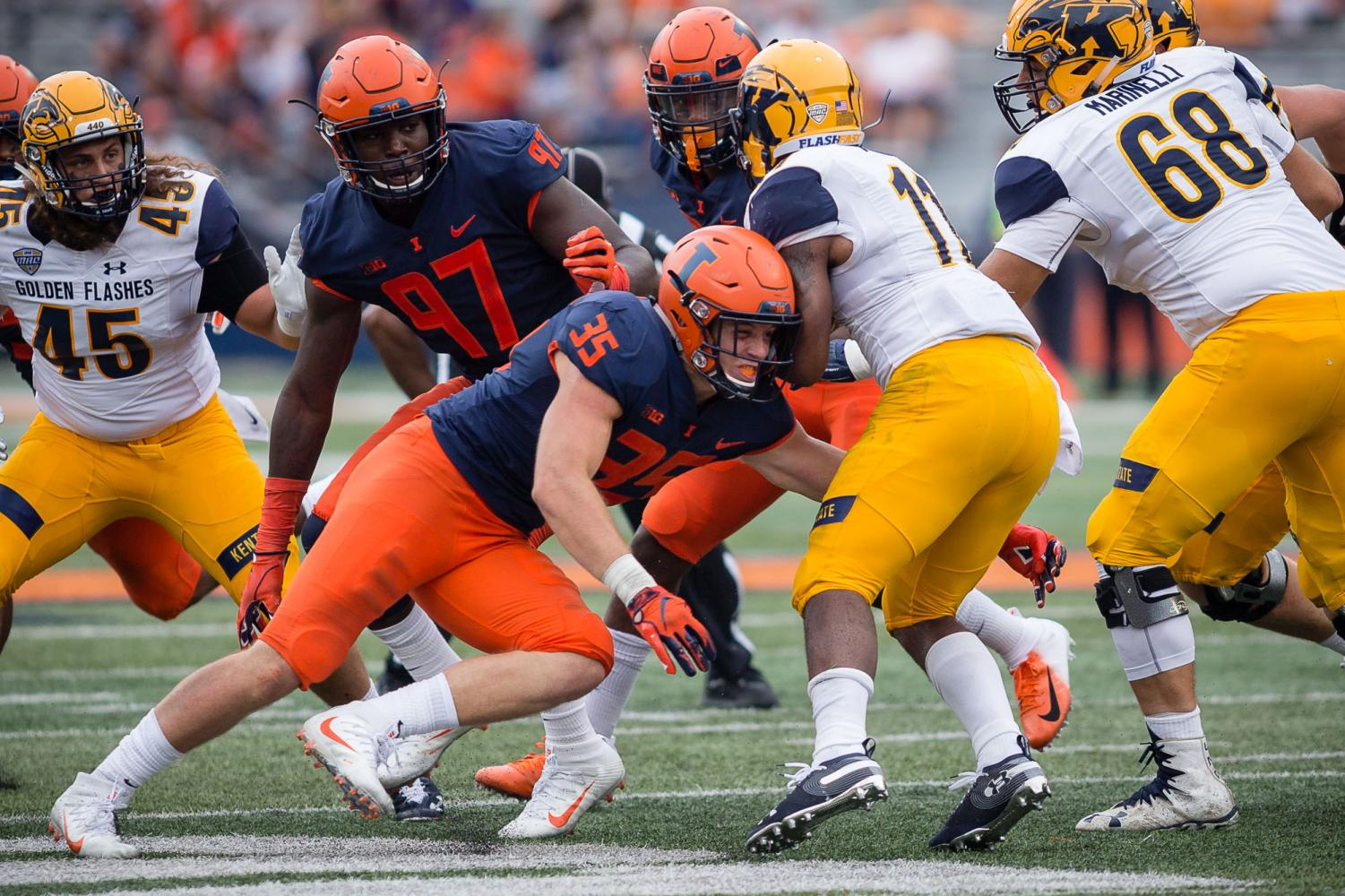 Illinois linebacker Jake Hansen (35) makes a tackle during the game against Kent State at Memorial Stadium on Saturday, Sept. 1, 2018.