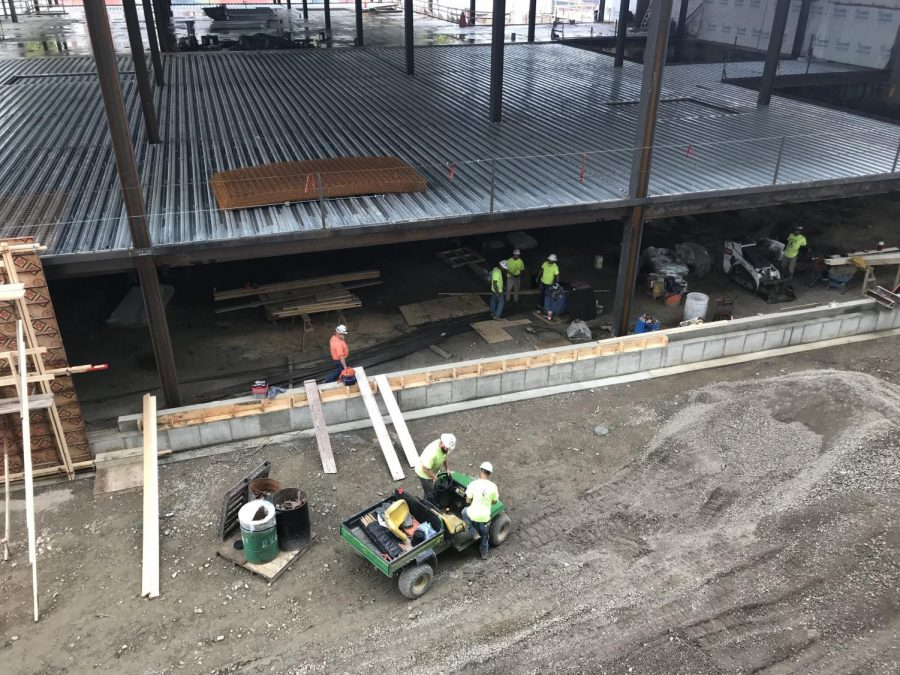 Workers+in+the+ISR+construction+zone+on+Friday.+Columnist+Collin+argues+current+students+face%0Ainconveniences+while+living+in+the+under-development+residence+hall.