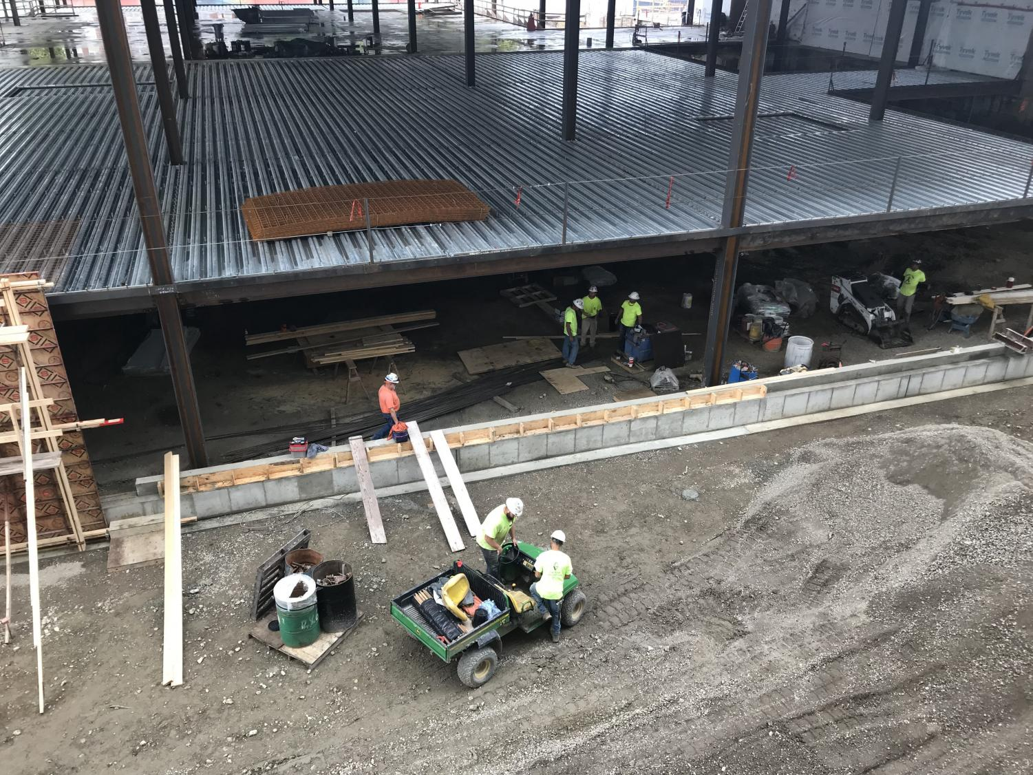 Workers in the ISR construction zone on Friday. Columnist Collin argues current students face inconveniences while living in the under-development residence hall.