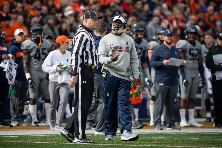 Illinois+head+coach+Lovie+Smith+talks+to+the+referee+during+the+game+against+Purdue+at+Memorial+Stadium+on+Saturday.+The+Illini+lost+46-7.