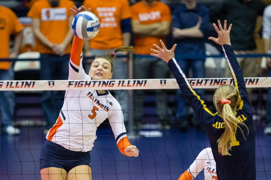 Illinois+middle+blocker+Ali+Bastianelli+passes+the+ball+during+the+match+against+Iowa+at+Huff+Hall+on+Sept.+28+Bastianelli+has+recently+achieved+the+school+record+in+blocks+and+became+the+all-time+block+assist+record+leader+in+the+Big+Ten.